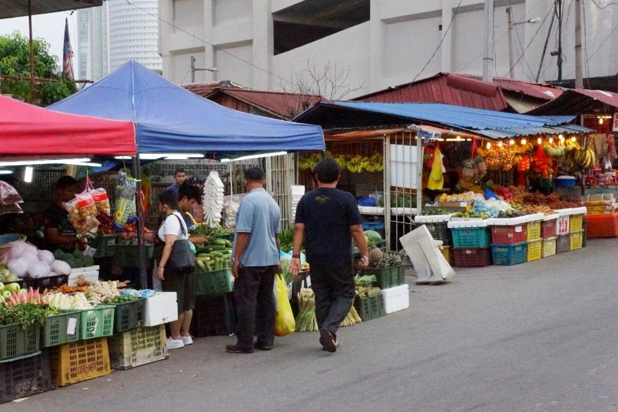 Obst und Gemüse Stände